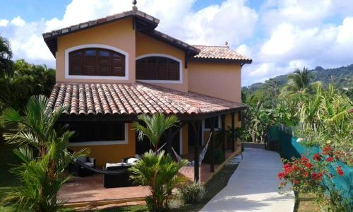 House with 3 bedrooms in Le Lamentin with enclosed garden and WiFi 10 km from the beach, Le Lamentin