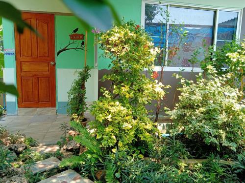Watinee Resort, Photharam
