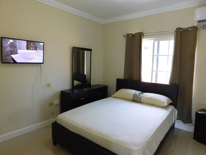 El Gabriel Apartments,