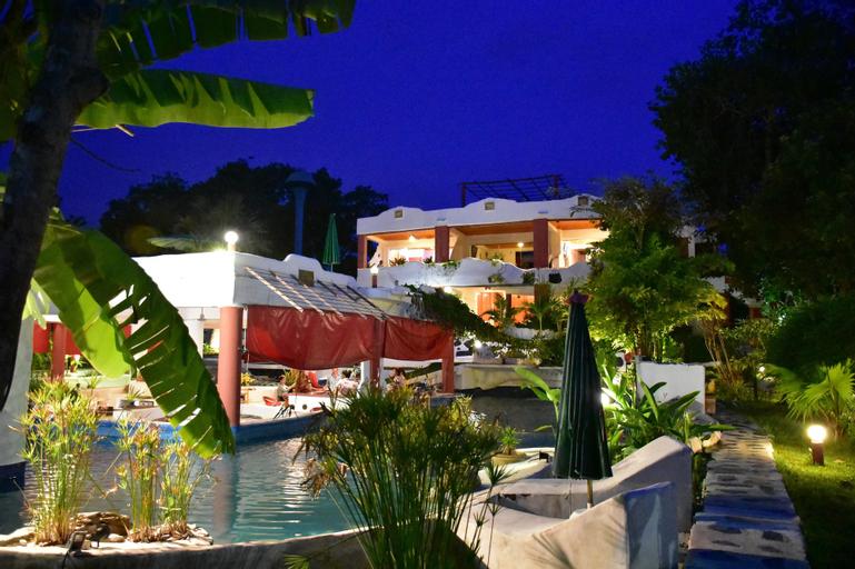 Mirabel Resort & Mini Golf, Bang Lamung