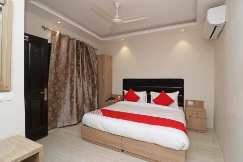 OYO 72655 Hotel Golden Pine, Anantnag