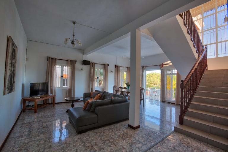 Hibiscus Villa - 5 Rooms,