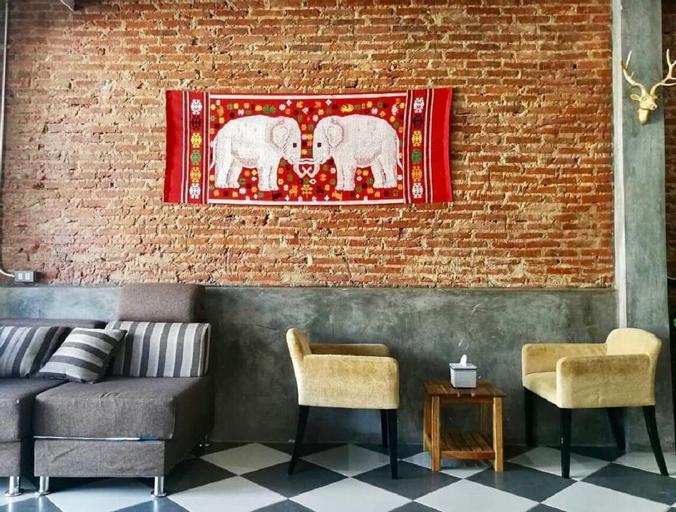 Lao Huk Bed and Cafe - Hostel, Sikhottabong