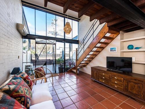 The Tannery - 2 bedroom converted warehouse, Fremantle