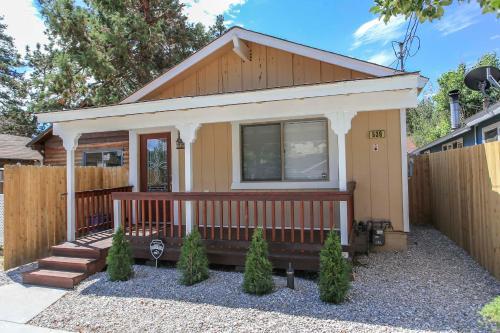 Cabin Chic, San Bernardino