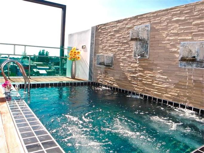 Kamala Regent 3 bedrooms apartment with rooftop pool, Pulau Phuket