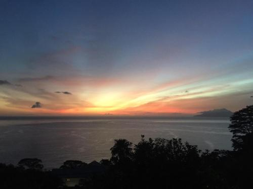 Romantic Sunsets at L'Horizon,