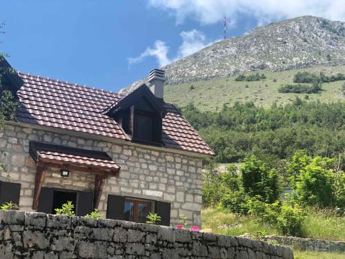 Lovcen Holiday Home,