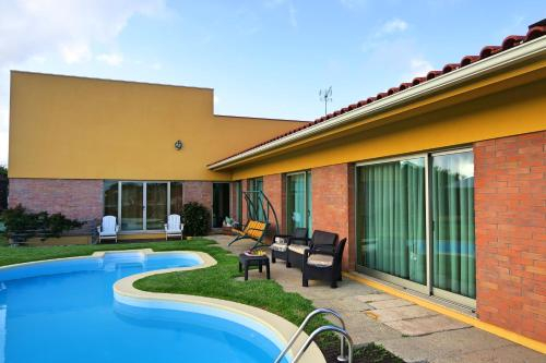 House with 4 bedrooms in Terroso with private pool furnished terrace and WiFi 5 km from the beach, Póvoa de Varzim