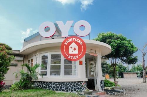 OYO 888 Grand Ijen Residence, Malang