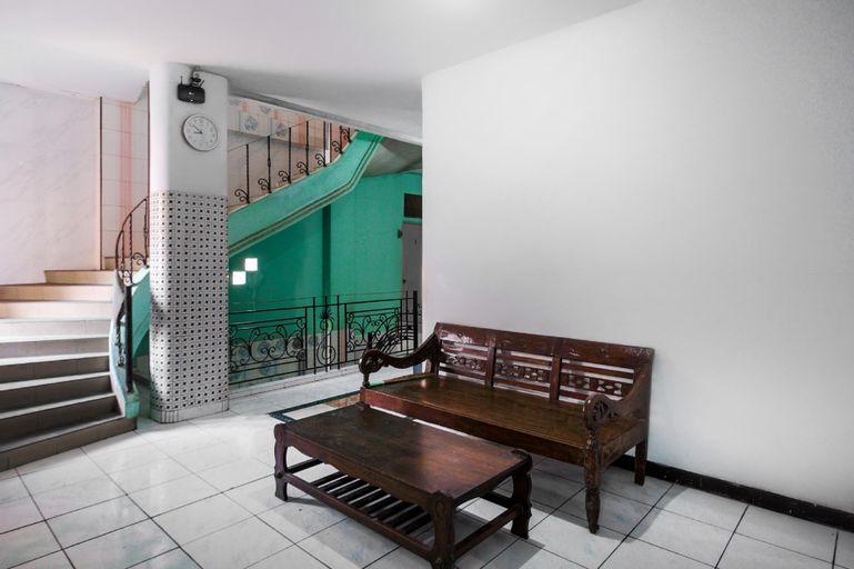 OYO 2628 Kartini Residence, Central Jakarta