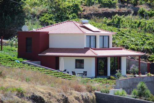 Villa Pinheira I, Calheta