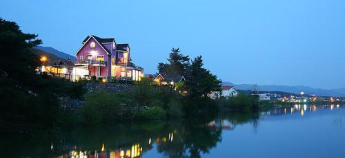 Lacvert Pension, Gyeongju