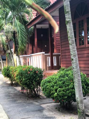 Nipah Waterfront Beach Resort, Manjung