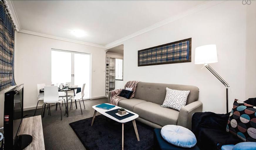 One Bedroom Apt Near Perth CBD with Parking, Perth