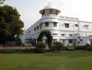 The Fort Unchagaon Hotel, Bulandshahr