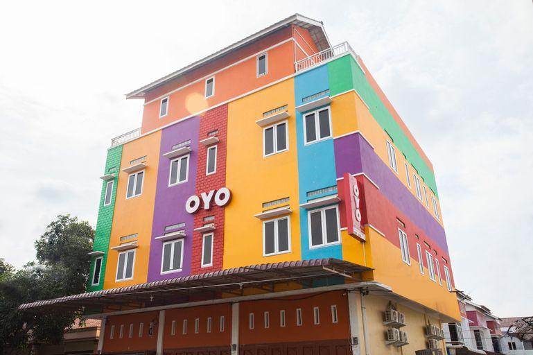 OYO 1052 Sentosa Jaya Guest House Syariah, Medan
