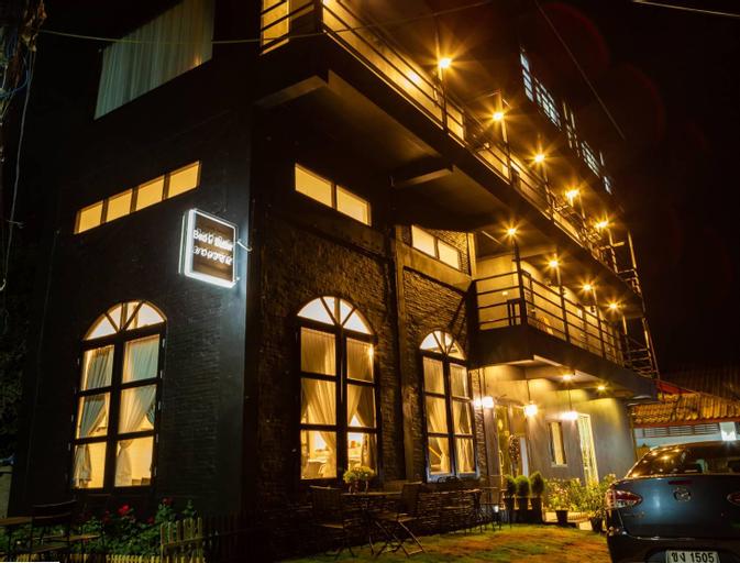 Bed and Butler Hostel, Pom Pram Sattru