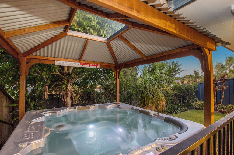 Anaheim Holiday Houses, Kingsholme-Upper Coomera