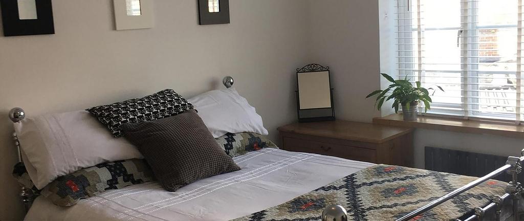 DD Luxury Guesthouse, London