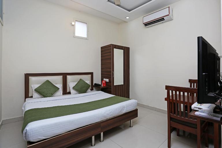 OYO 8590 Hotel Sea, Patiala