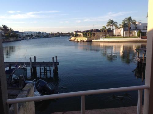 Waterside Canal Dreams, Mandurah