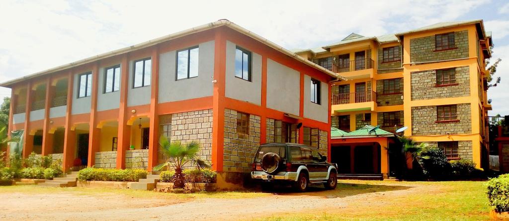 Everest House Hotel, Muhoroni