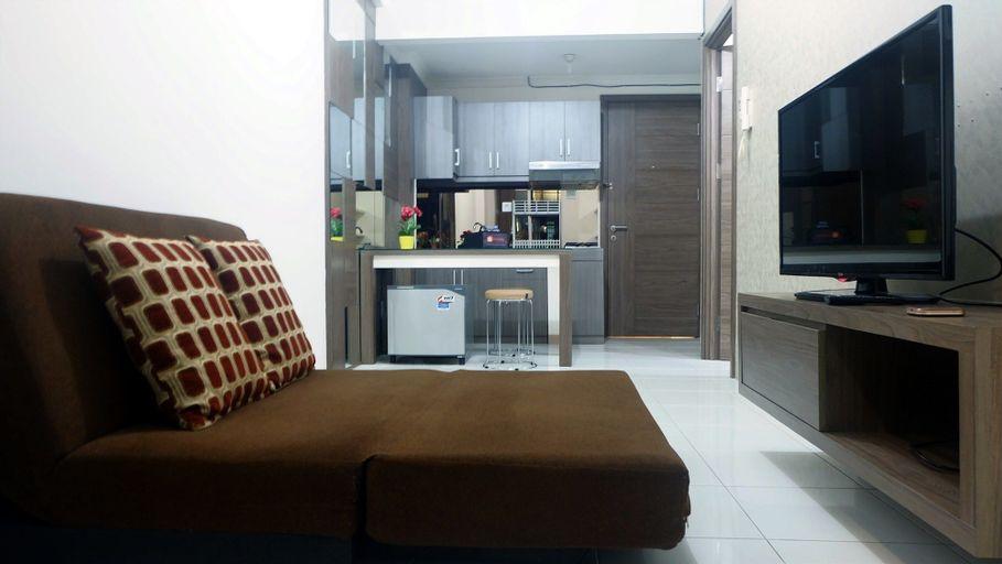 Strategic Place with Cozy Place Apartment @ Studio Signature Park Tebet By Travelio, Jakarta Selatan