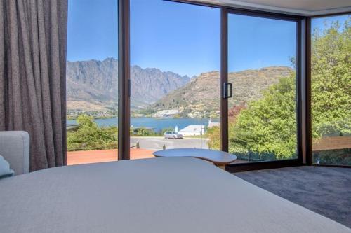 Kiwi Style Cottage, Outside Areas, Fabulous Views, Queenstown-Lakes