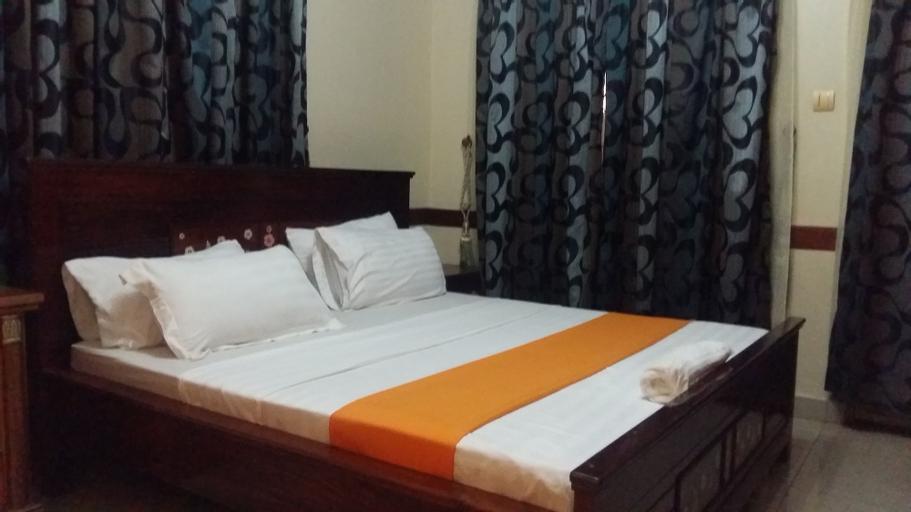Embrace Hotel, Jinja
