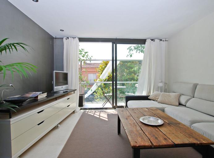 Blue fridge apartment, Barcelona