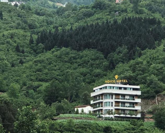 Voice Hotel, Maçka