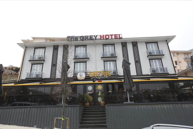The Grey Hotel, Merkez