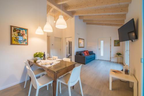 La Gazza Ladra Apartments - Garda Chill Out, Trento