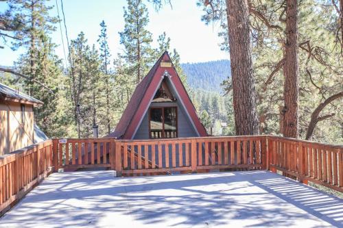 The Dream Team by Big Bear Cool Cabins, San Bernardino