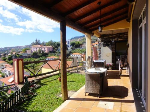 House with one bedroom in Ponta do Sol with wonderful sea view enclosed garden and WiFi 2 km from th, Ponta do Sol
