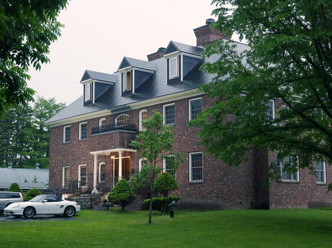 Hazel Grouse Manor, Shibecha