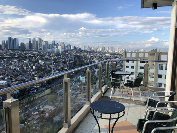 Migz N Tons Place at Cypress Towers, Taguig