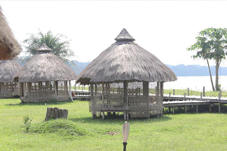 Sanaga Beach Lodge, Haute Sanaga