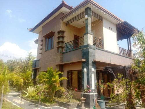 A very nice cozy family home with 2 floors, fully furnished., Buleleng