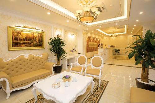 Hung Manh Plaza Hotel, Tân Lạc