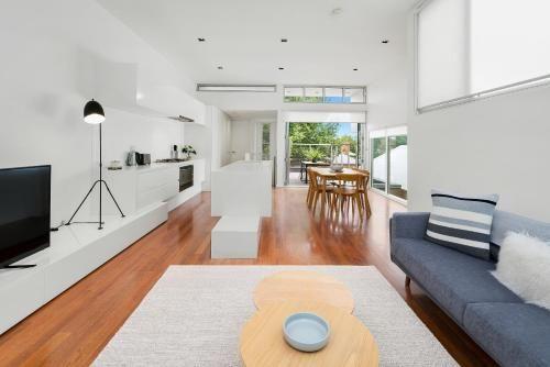 Cogens Two Bedroom Townhouse, Geelong