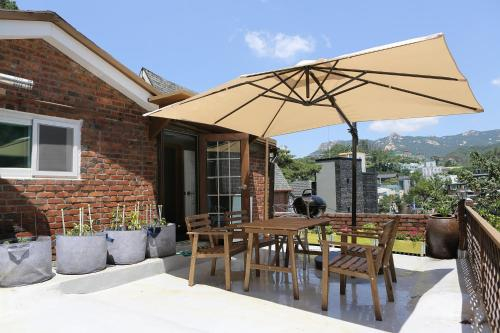 BJ- 7 Free services with cozy home, Jongro