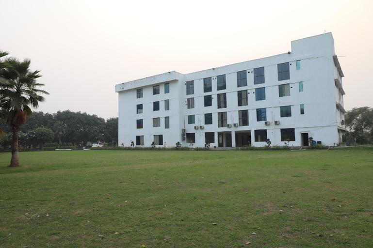 OYO 23529 Riviera Valley, Gautam Buddha Nagar