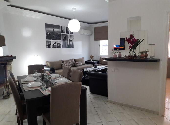 The Seven Apartments, Casablanca