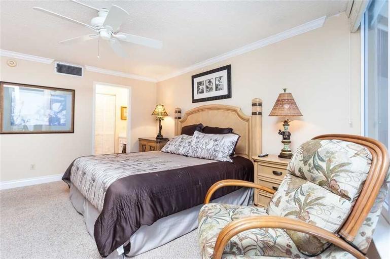 Shores Club 702 - Two Bedroom Condo, Volusia