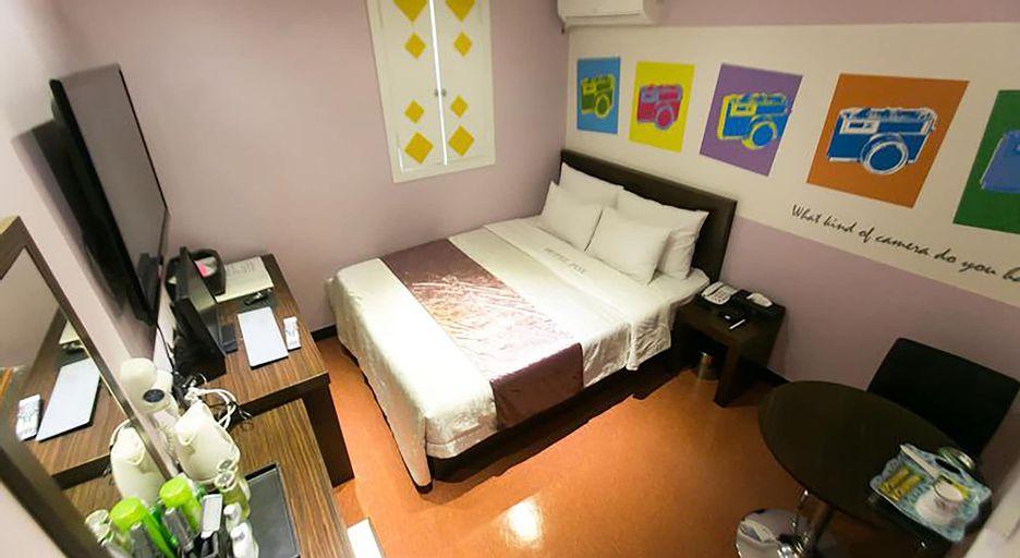 Fox Motel, Nam