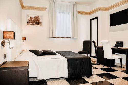 BHB Hotel, Taranto