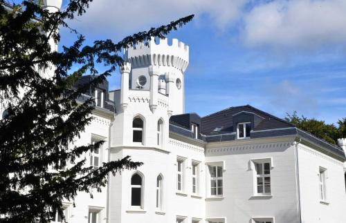 Schloss Hohendorf, Vorpommern-Rügen