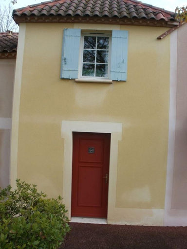 Apartment With 2 Bedrooms in Monflanquin, With Wonderful Lake View, Shared Pool, Furnished Garden, Lot-et-Garonne